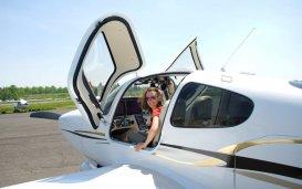 "<img src=""aviation.jpg""=""aviation"" />"