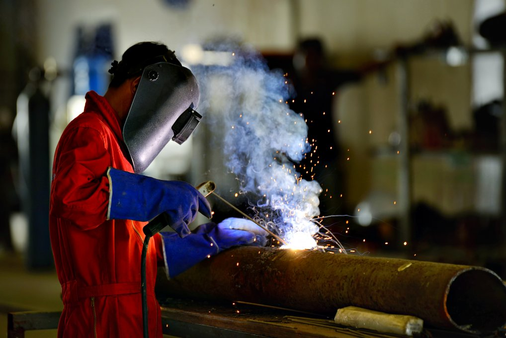trainer welder at work